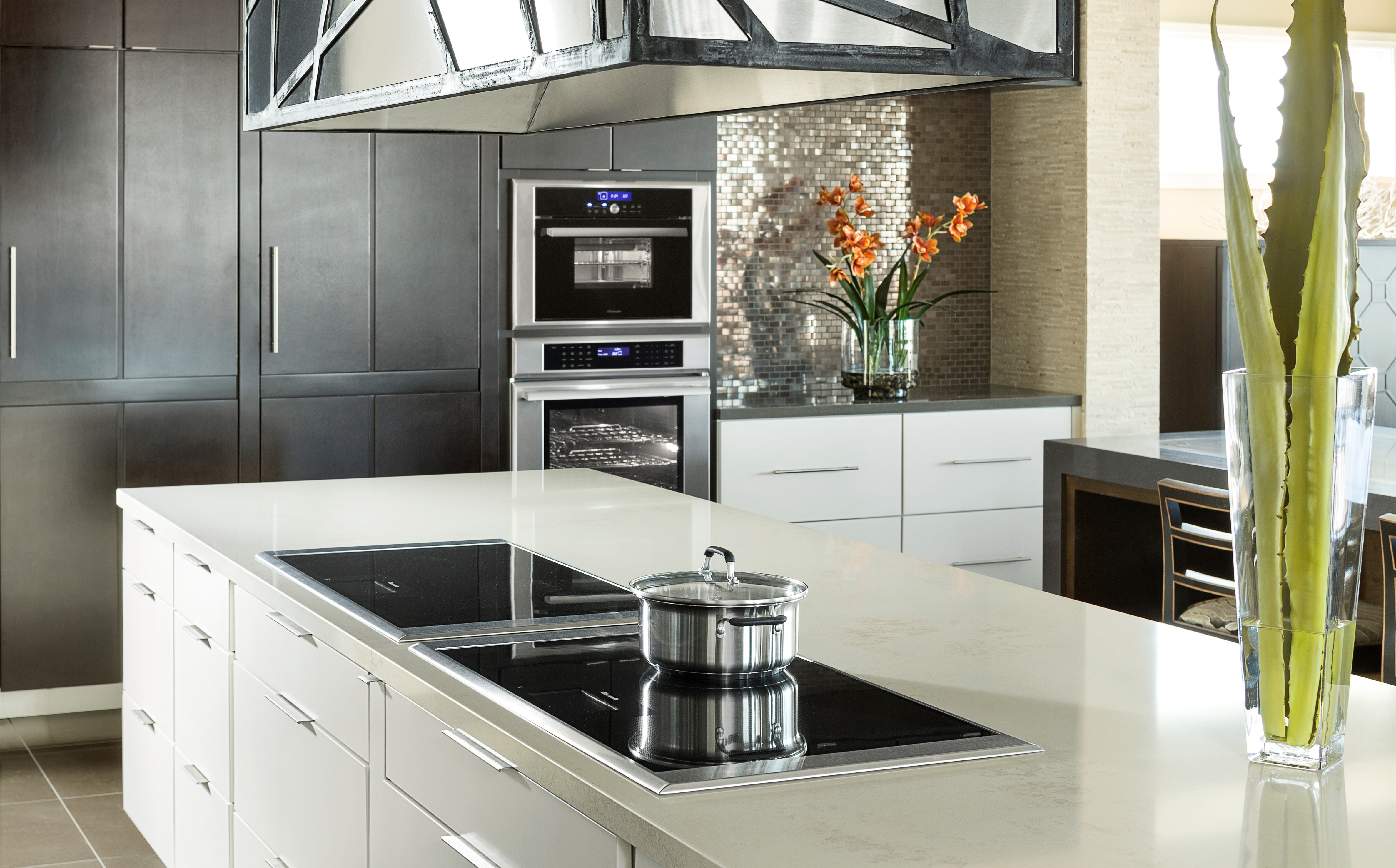 At 36 Inches The Freedom Induction Cooktop Offers Largest Cooking Surface In Industry Sleek Design Comprises Transpa Ceramic Cl With
